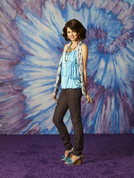 Alex Russo's style – Heli*berry  Alex Russo's ...